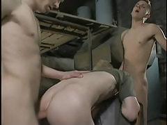Dirty twinks fuck bareback in three-way