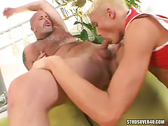 Extreme blonde lad throats appetizing wang of bear