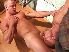 Faggot gentleman sucked by lusty mature gay